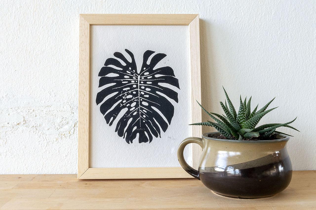 Monstera blad linosnede zwart